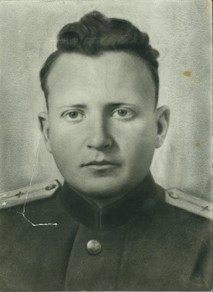 leytenanta-soset-u-komandira-chlen-pornushka-minet-sperma
