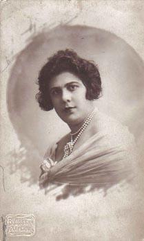 Аня Блох, моя мама, Харьков, 1930 г.
